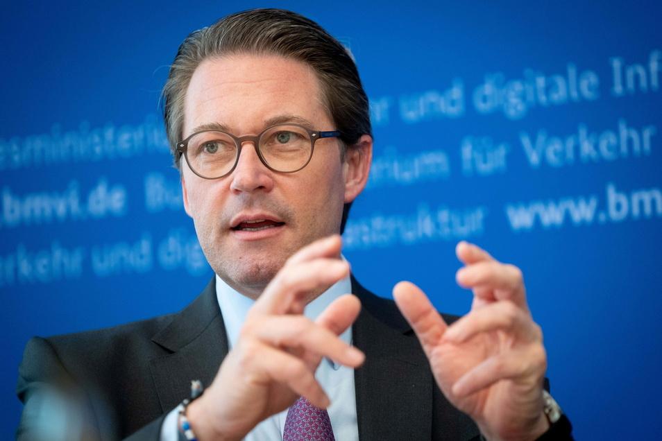 Am glücklosen deutschen Verkehrsminister Andreas Scheuer (CSU) gibt es auch aus Sachsen Kritik.