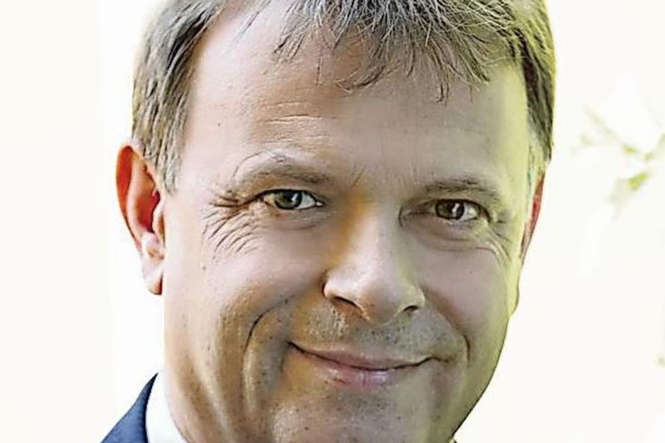 Der frühere Oberbürgermeister: Joachim Paulick (61/Zur Sache) saß seit 1999 für die CDU im Stadtrat, wurde für sie 2005 zum OB gewählt, trat aber 2008 aus der CDU aus und gründete den Wählerverein Zur Sache.  Bei der OB-Wahl 2012 verlor er gegen Siegfried Deinege und stand fortan politisch im Abseits. Bei der Stadtratswahl 2014 aber kehrte er noch einmal zurück und war seither Stadtrat und Fraktionschef von Zur Sache. Er wollte 2019 weitermachen, bekam erneut 1 379 Stimmen. Da Zur Sache insgesamt aber schwach abschnitt, verfehlte er ganz knapp einen Sitz im neuen Rat. Dass er in fünf Jahren einen neuen Anlauf startet, ist nicht ganz ausgeschlossen.