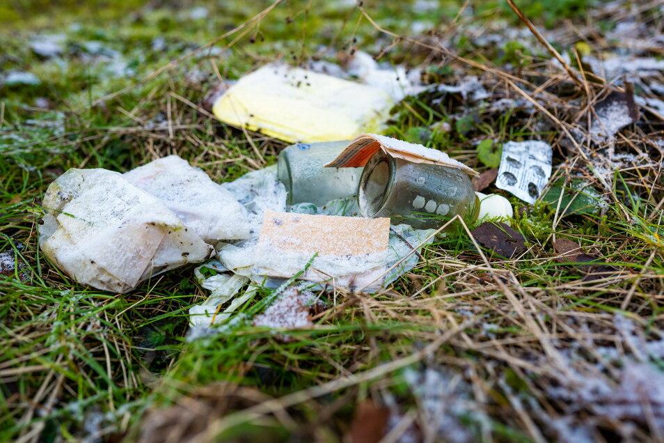 Jede Menge illegal entsorgten Müll sammelten die Kubschützer Bauhofmitarbeiter im vergangenen Jahr im Gemeindegebiet ein.