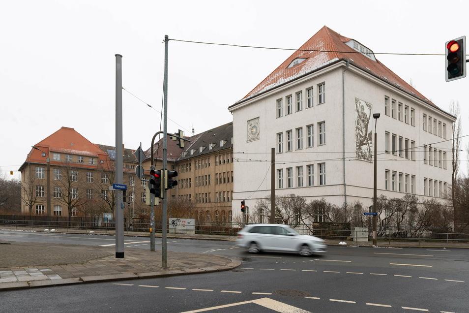 In der dritten Februarwoche ziehen die Schüler und Lehrer des Gymnasiums Dresden-Cotta aus, das Schulhaus wird saniert.