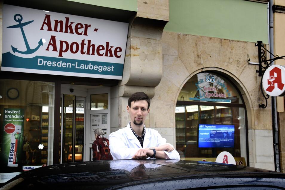 Andreas Butans befürchtet, dass nach dem Straßenausbau wesentlich weniger Kunden in die Apotheke kommen.