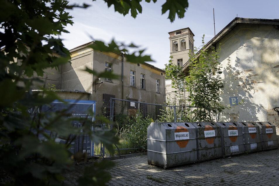 Blick von der Querstraße auf ein Görlitzer Sorgenkind, das Kahlbaumgelände. Hier könnte die Hochschule einen neuen Campus bauen. Noch gibt es dazu aber keine Pläne.