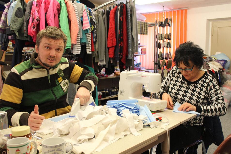 Sebastian Seidel (leitet Erste-Hilfe-Kurse und Unterricht in Schulen) und Marlis Lopez (leitet die Kleiderkammer).