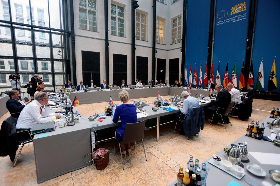 Treffen der Ministerpräsidenten der Bundesländer mit der Bundeskanzlerin