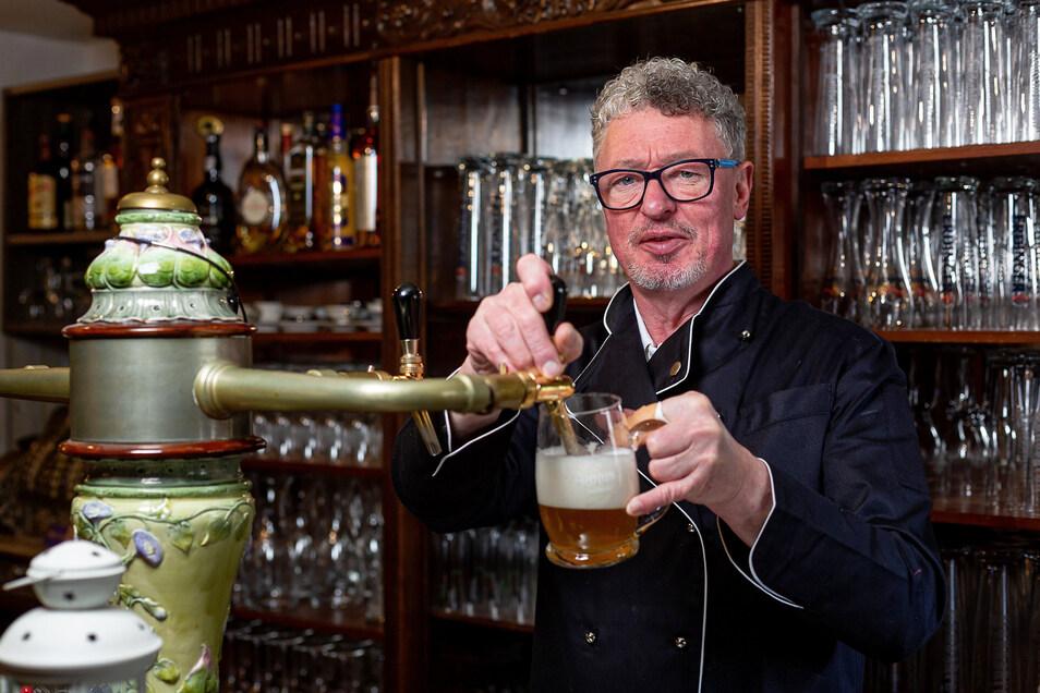 Gastronom Frank Gliemann aus Freital hat für sein Personal Kurzarbeit beantragt. Er selbst hält die Stellung, um die Hotelgäste weiter zu versorgen.