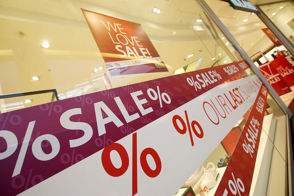 We love Sale: Viele der Geschäfte im Elbepark machen mit.