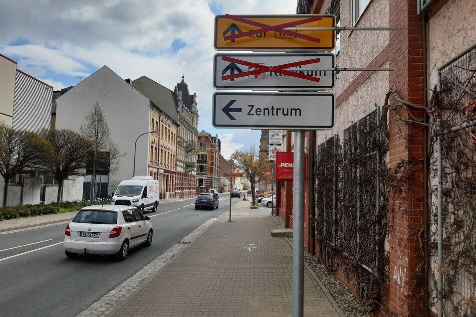 Diese Schilder sind nach der Kauflandkreuzung aufgestellt.