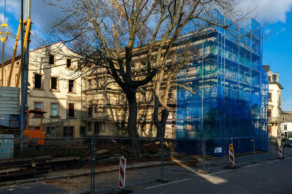 Vor dem weiteren Verfall gerettet: das markante Eckgebäude Kreuzstraße 5 in Sebnitz.