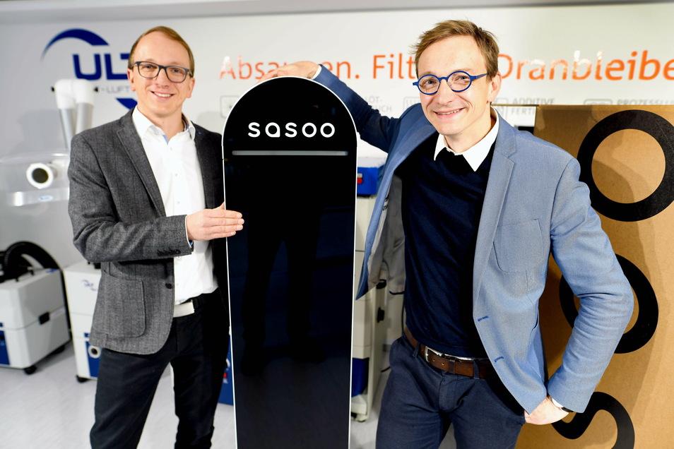 """Die ULT-Inhaber Alexander und Stefan Jakschik (r.) haben innerhalb kürzester Zeit das Luftfiltergerät """"Sasoo"""" entwickelt."""