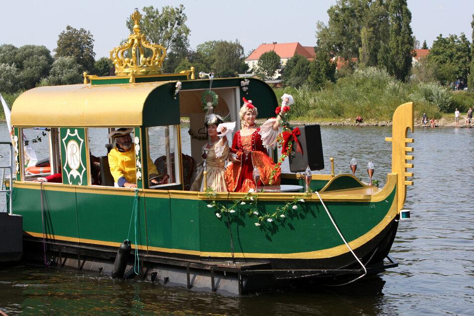 Verabschiedung der königlichen Majestät und Hoheiten. Abfahrt der venezianischen Gondel auf der Elbe in Pirna.