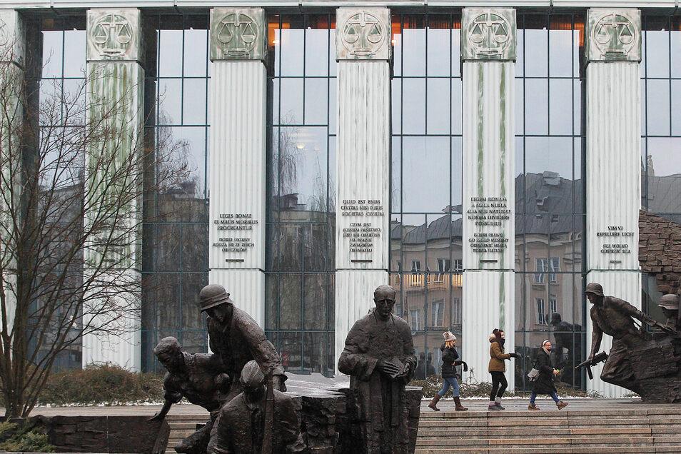 Polen, Warschau: Das Gebäude des Obersten polnischen Gerichts.
