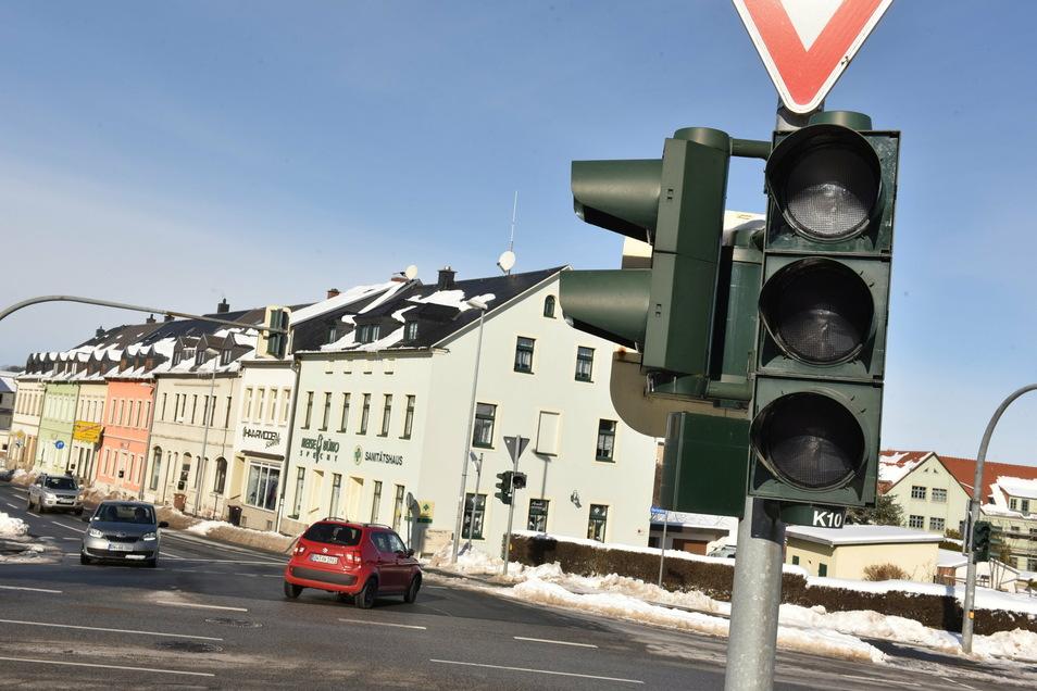 Stundenlang ausgefallen ist die Ampel an der B 170 in Dippoldiswalde am Freitag und am Montag.