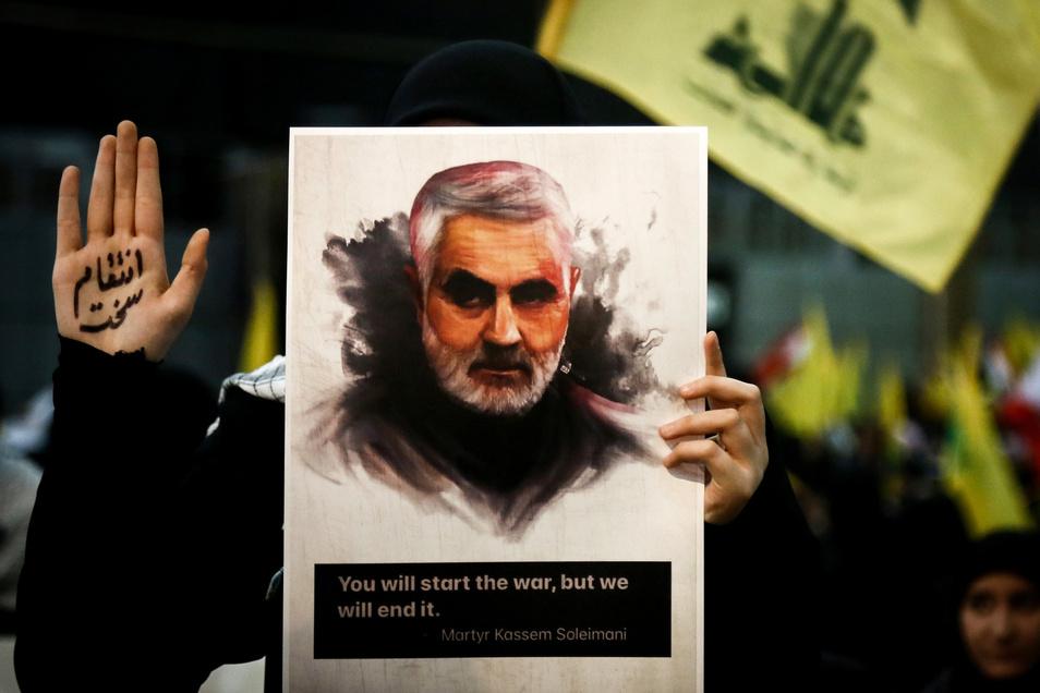 """Soleimani wird im Iran von vielen Menschen als Märtyrer verehrt. US-Präsident Donald Trump bezeichnete den getöteten iranischen Top-General nun öffentlich als """"Hurensohn"""""""