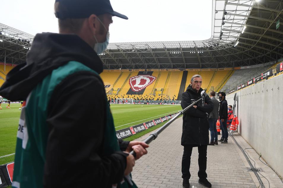 """Vor dem Geisterheimspiel von Dynamo Dresden gegen den VfB Stuttgart am Pfingstsonntag gab Ralf Minge als Sportgeschäftsführer noch das obligatorische Interview für den Fernsehsender Sky. Sein Statement: """"Es ist ohnehin eine Ausnahmesituation für alle Team"""
