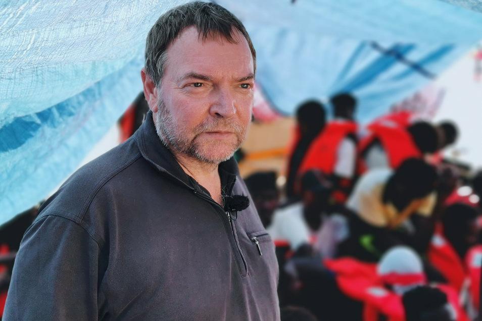 Claus-Peter Reisch will Flüchtlinge von der gefährlichen Überfahrt durch das Mittelmeer abhalten.
