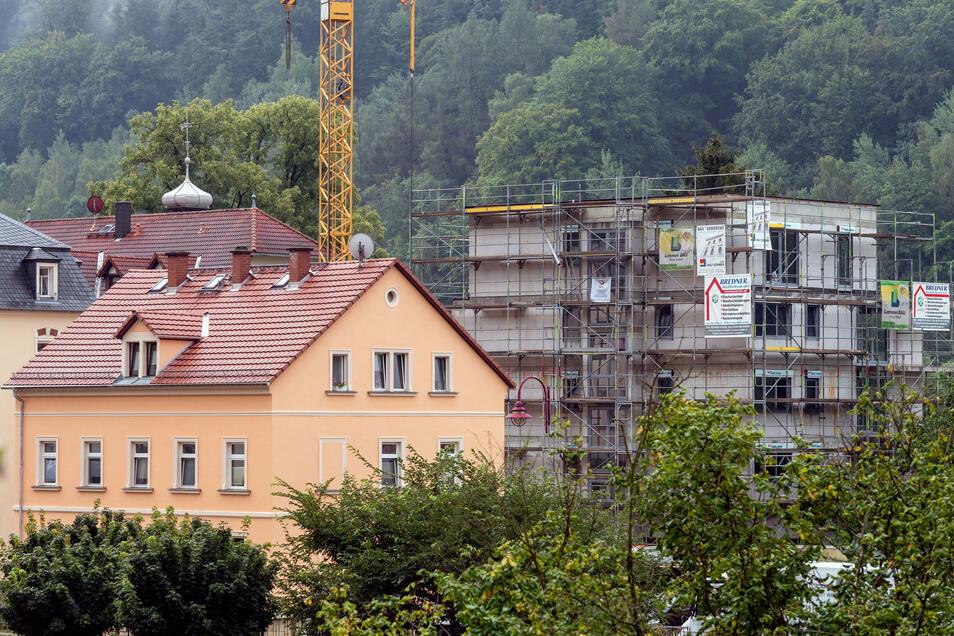Neues Mehrfamilienhaus in Bad Schandau: Der Rohbau steht.