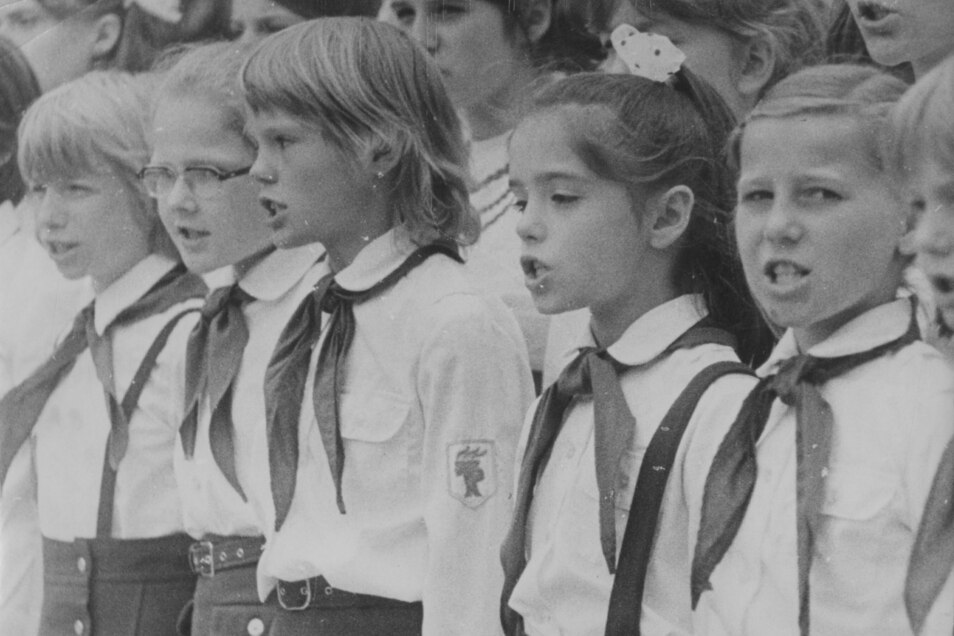 Die Zeugen der DDR sind heute Eltern und haben meist selbst Kinder.