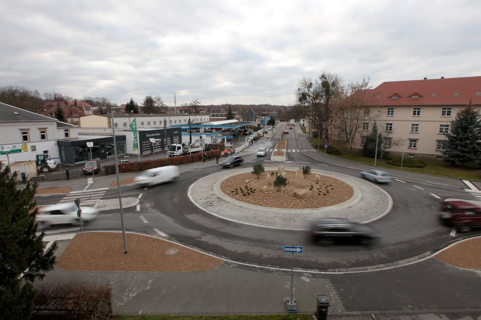 Neuer Kreisverkehr an der Rottwerndorfer Straße: Bis Anfang April werden Restarbeiten erledigt.