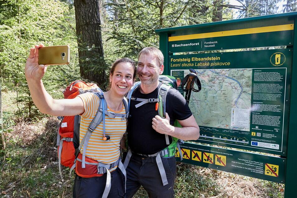 Selfie am Forststeig: Katharina Fäth aus Harsefeld und Göde Klöppner aus Osnabrück.