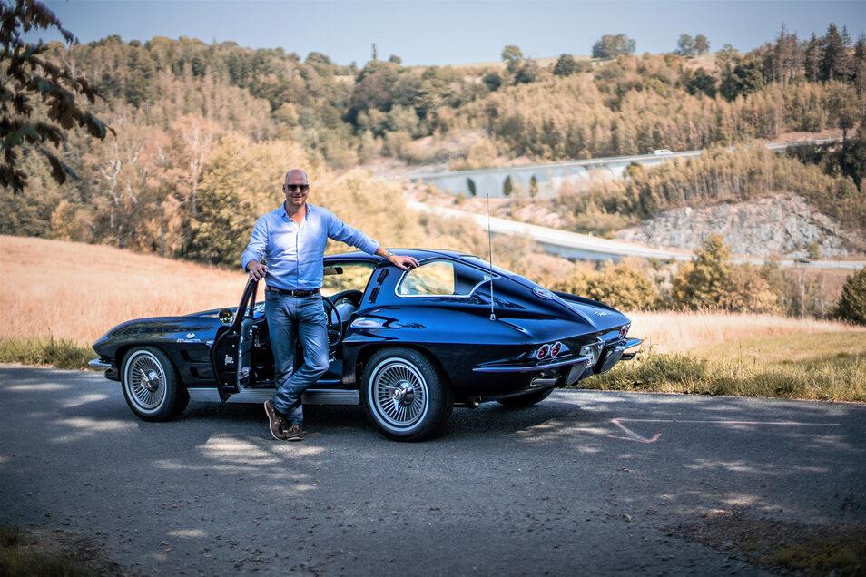 Liebhaberstück: Christoph Herbrig mit einer Corvette C2 , Baujahr 1963.