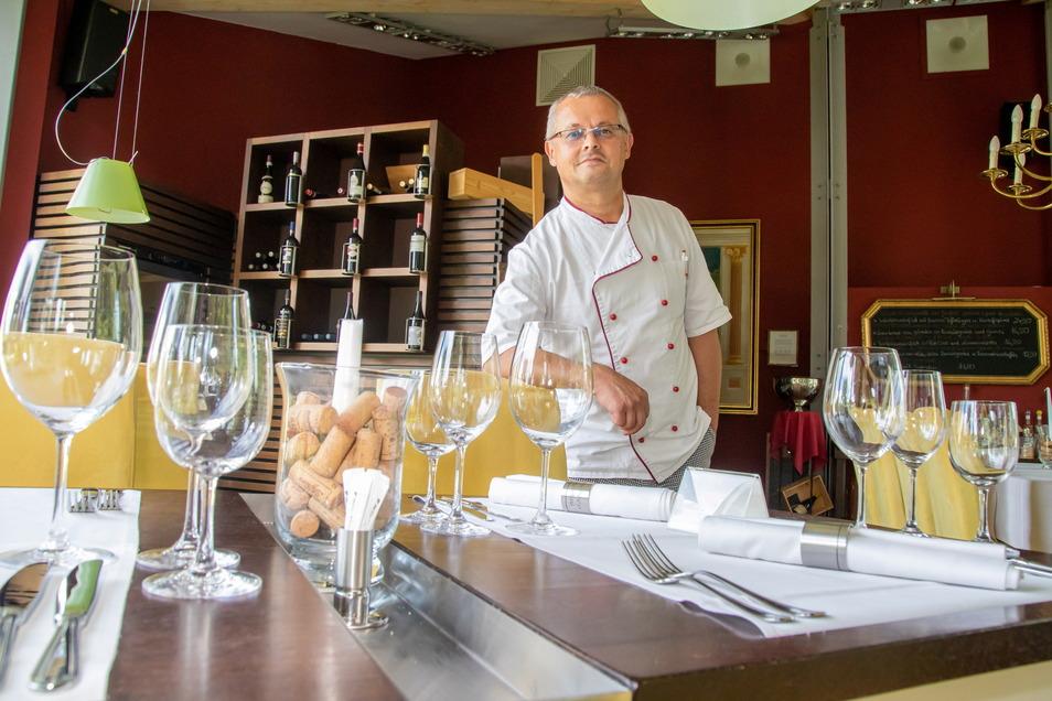Von November 2020 bis Juni 2021 war die Enoiteca Martini in Rothenburg coronabedingt geschlossen. Inzwischen freut sich Geschäftsführer Uwe Walter wieder über Gäste - natürlich auch über den Besuch von Radtouristen.
