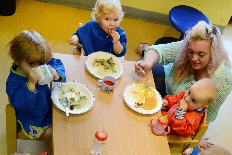 Abstandhalten ist in Kindertagesstätten kaum möglich.