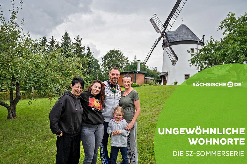 Die Familien Kinzig und Schäfer machen Urlaub in der Windmühle in Sohland am Rotstein.