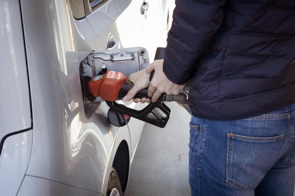 Tanken, ohne zu bezahlen: Das trauen sich Fahrer im Landkreis nur selten.