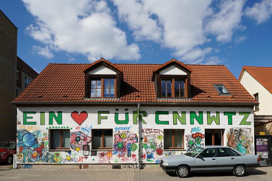Unser Autor hat ein Herz für Connewitz. Seit 17 Jahren lebt er in dem bunten Stadtteil von Leipzig.