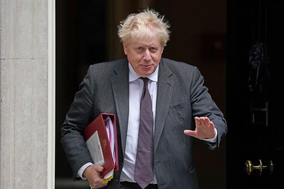 Boris Johnson steht wegen einer massiven Versorgungskrise unter Druck.