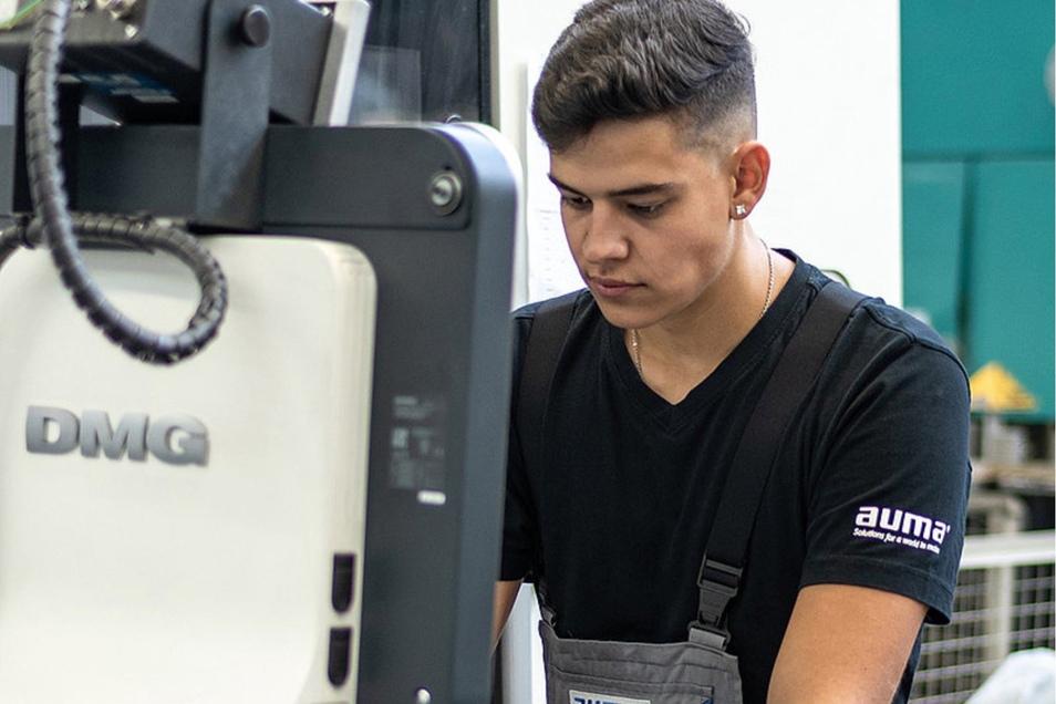 Gearbeitet wird bei AUMA mit modernster Technik und in kompetenten Teams.