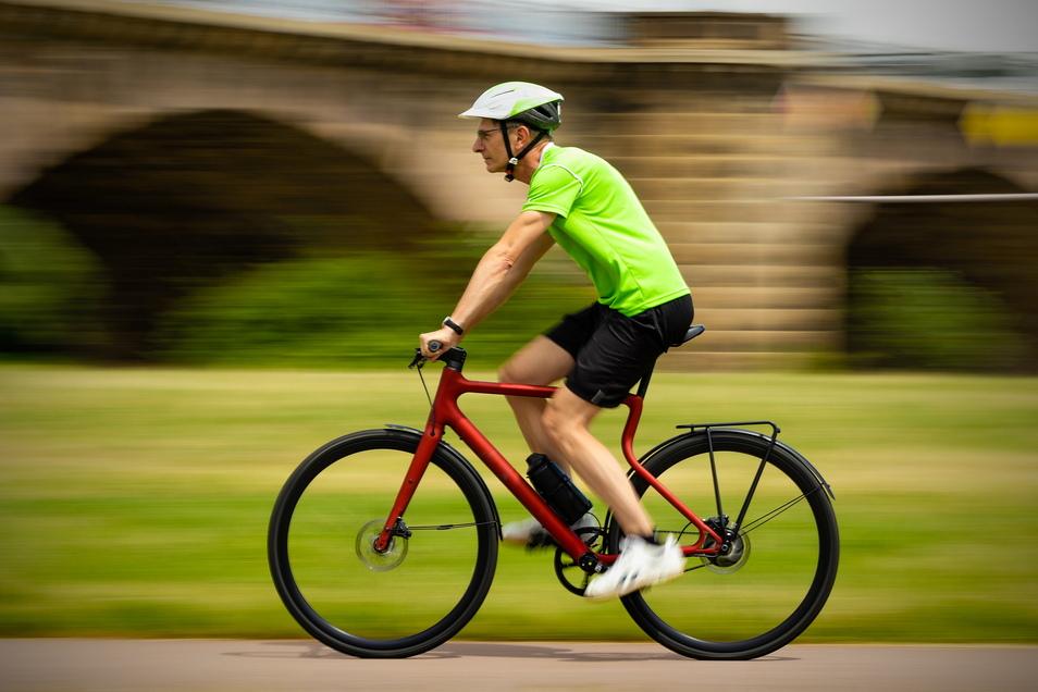Preisgekrönter Platzhirsch: Für ihr ungewöhnliches E-Bike erhielt die Magdeburger Firma Urwahn einen Red Dot Product Design Award. SZ-Redakteur Steffen Klameth hat das Rad jetzt getestet.
