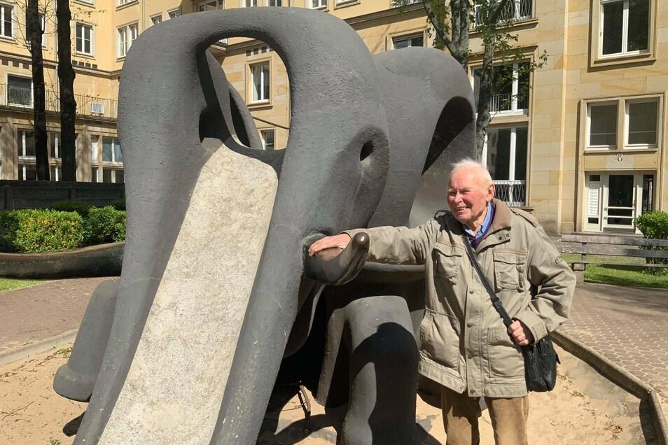 Johannes Peschel erinnert sich noch gut an die Entstehung seiner ersten Elefantenrutsche.