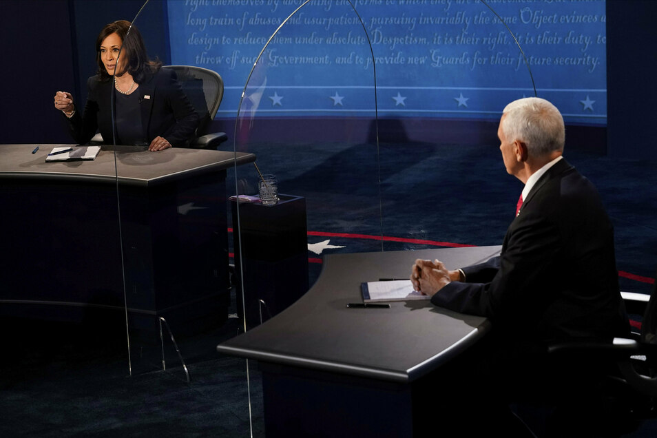 Auf Abstand: Kamala Harris und Mike Pence
