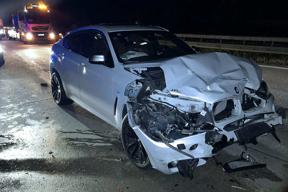 Ein BMW-Fahrer fuhr am Stauende auf einen Audi auf.