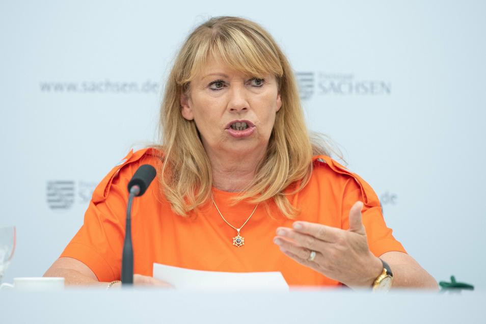 Petra Köpping (SPD), Sozialministerin von Sachsen, hat heute in der Kabinetts-Pressekonferenz die neusten Informationen zur Coronavirus-Lage im Freistaat gegeben.