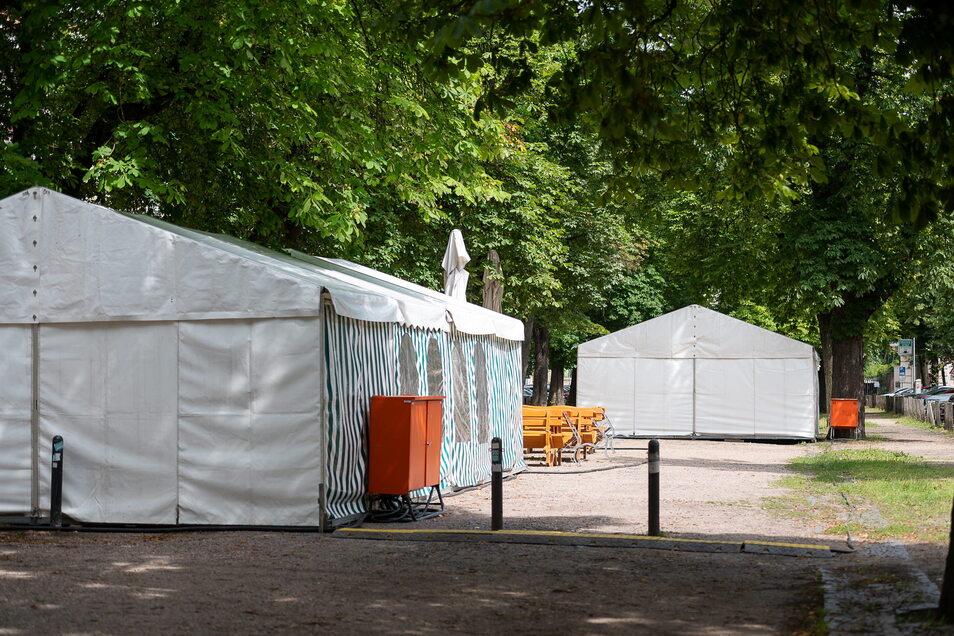 Zelte für den anstehenden Filmdreh auf der Elisabethstraße in Görlitz.