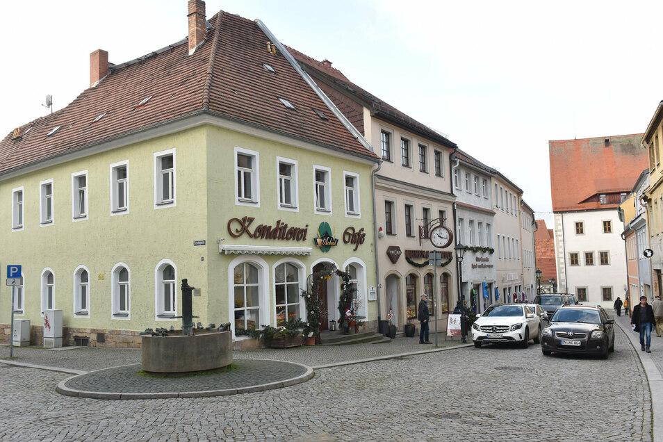 Die Herrengasse in Dippoldiswalde mit ihren schön sanierten Häusern und dem Schuhbrunnen hat von der Stadtsanierung profitiert.