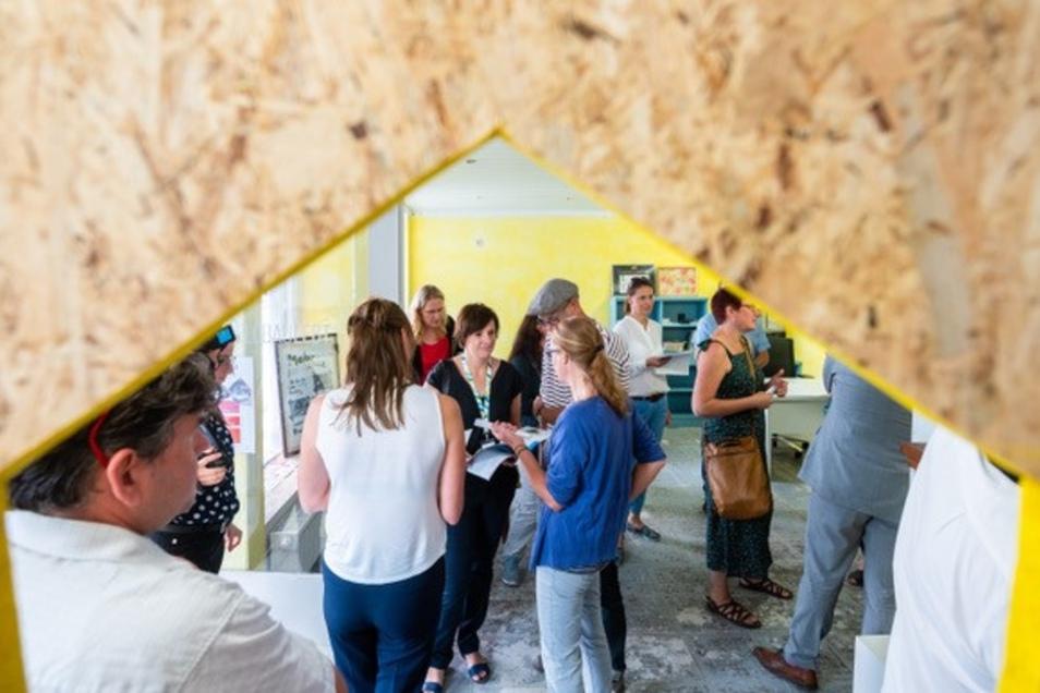 Bei einem Besuch von Sachsens Wirtschaftsminister Martin Dulig konnten auch andere Interessierte vor Kurzem einen ersten Blick in die Räume an der Bahnhofstraße 26 werfen.