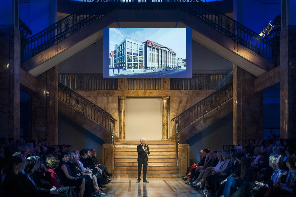 2016 stellte Winfried Stöcker beim Euro Fashion Award im Kaufhaus seine Pläne vor.