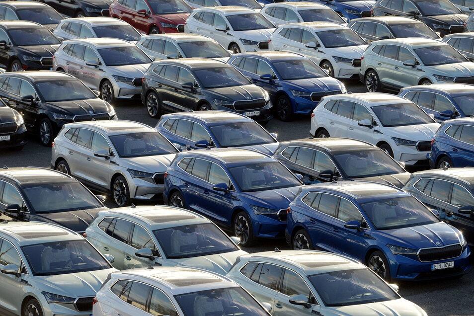 Neue Elektroautos vom tschechischen Automobilhersteller Skoda. Ein drei Jahre altes Elektroauto ist drei Jahre nach Zulassung im Schnitt nur noch 51 Prozent des Listenneupreises wert.