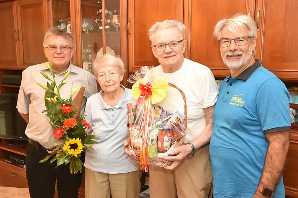 Christa und Helmut Sternitzkesind seit 60 Jahren Genossenschafter.