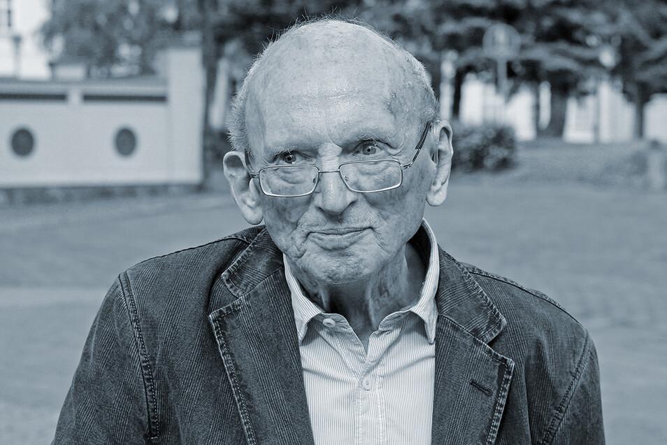 Der Schriftsteller und langjährige Vorsitzende des DDR-Schriftstellerverbandes Hermann Kant hier 2016 kurz vor seinem Tod.