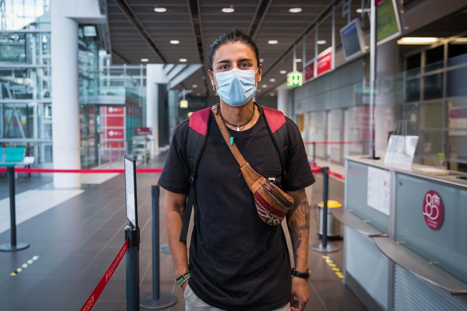 Der Spanier Carlos Andres Garcia Suesun war in Deutschland im Urlaub. Nun fliegt er zurück in seine Heimat. Die Reisewarnung für Mallorca hält er für übertrieben.