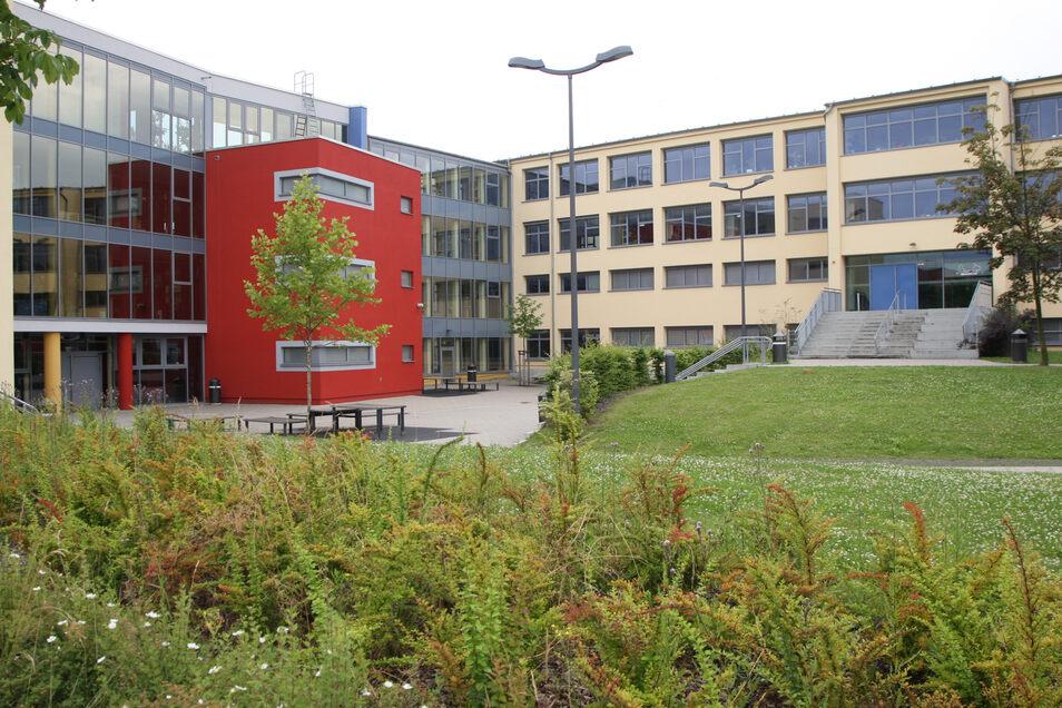 Herder-Gymnasium im Pirna-Copitz: Die Schule muss erweitert werden. Aber reicht das Geld dafür?