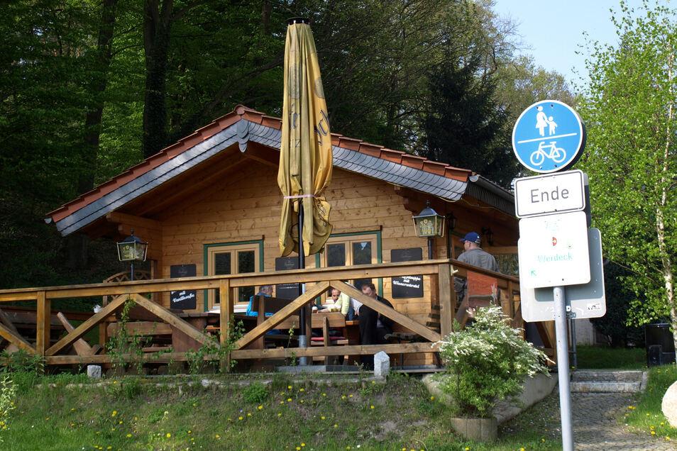 Die Kasemannel-Alm liegt im Krauschwitzer Ortsteil Werdeck direkt am Oder-Neiße-Radweg.
