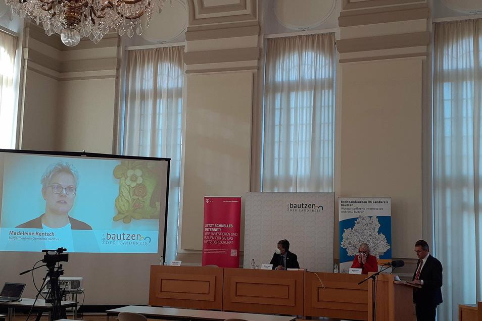 Corona-bedingt fand die Pressekonferenz anlässlich der Fertigstellung des sechsten Clusters im Breitbandausbau-Projekt des Landkreises Bautzen digital statt.