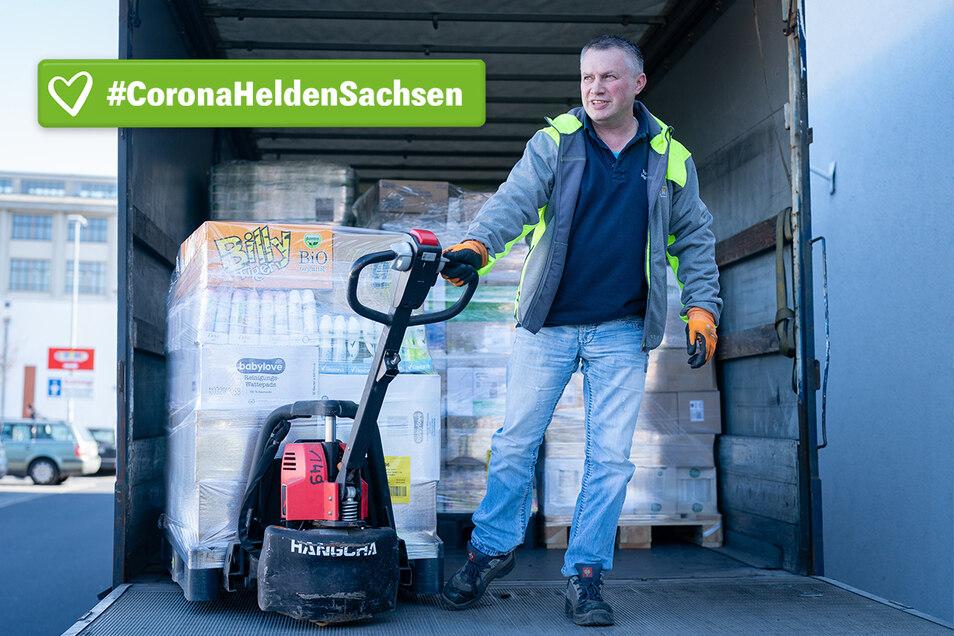 Andre Löffler ist Fahrer bei der Spedition Hanitzsch und beliefert große Supermärkte und Discounter mit Waren.