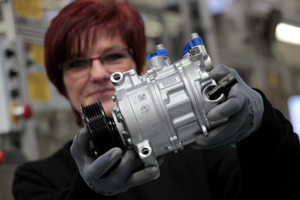 20.000 Kompressoren für Klimaanlagen laufen bei TDDK in Straßgräbchen täglich vom Band. Jetzt wurde die Produktion gestoppt.