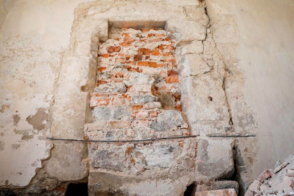 Auch die ursprüngliche Eingangstür zur Vorkirche wurde entdeckt und freigelegt.